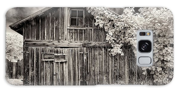 Old Shed In Sepia Galaxy Case by Greg Nyquist