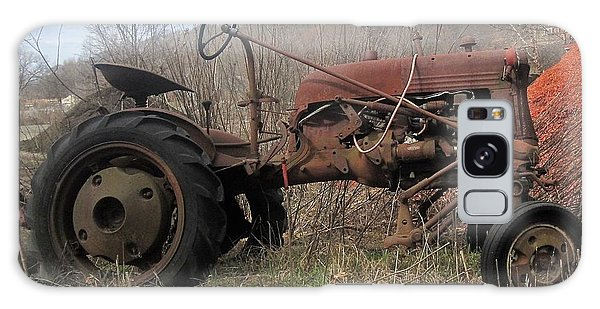 Old Tractor-clarks Farm Galaxy Case