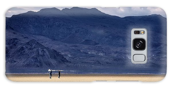 Galaxy Case featuring the photograph On A Mission In The Desert by Peter Thoeny