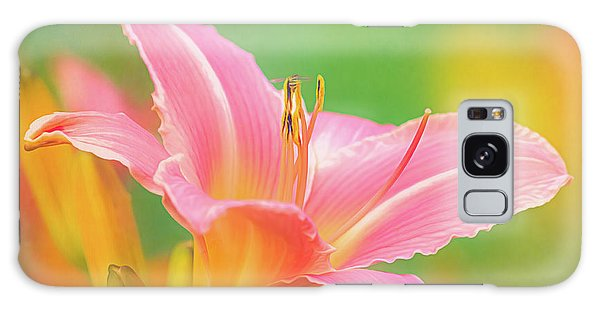 Oporto Daylily With Hoverfly Galaxy Case