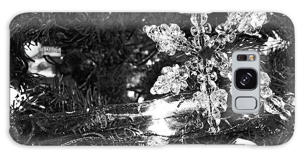 Ornamental Snowflake Galaxy Case