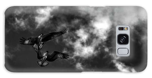 Osprey Dog Fight In Black And White Galaxy Case