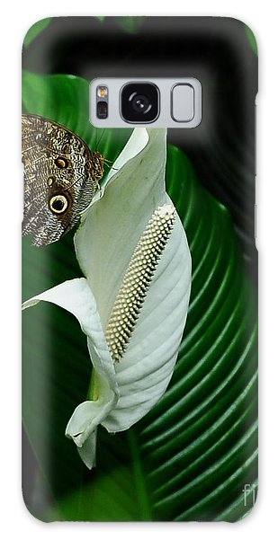 Owl Butterfly On Calla Lily Galaxy Case