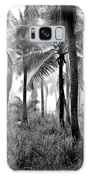 Palm Trees - Black And White Galaxy Case