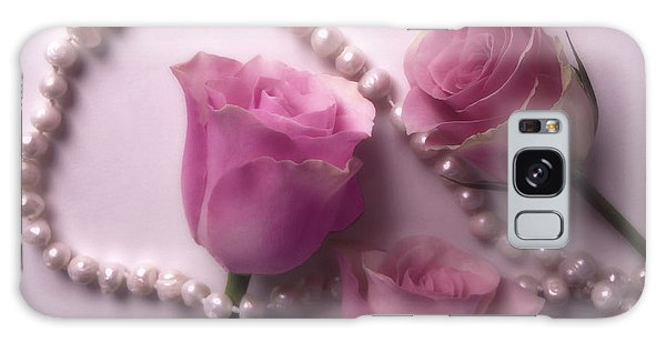 Pearls And Roses 2 Galaxy Case