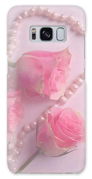 Pearls And Roses Galaxy Case