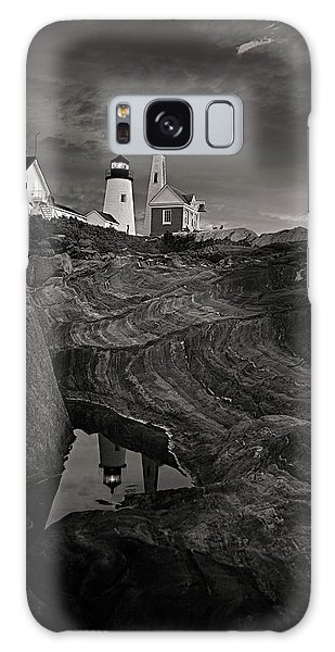 Breaking Dawn Galaxy Case - Pemaquid Lighthouse At Dawn Black And White by David Smith