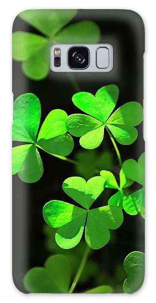 Perfect Green Shamrock Clovers Galaxy Case
