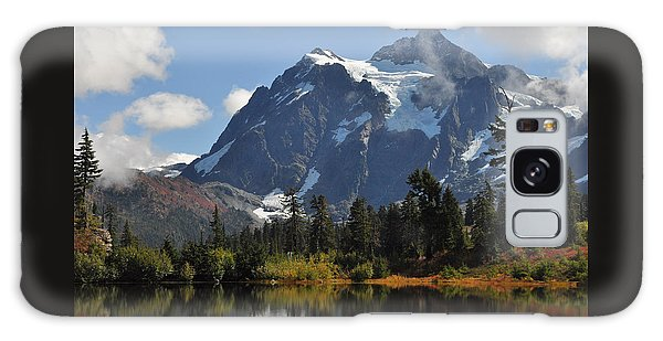 Picture Lake And Mount Shuksan Galaxy Case