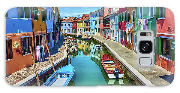 Picturesque Buildings And Boats In Burano Galaxy Case