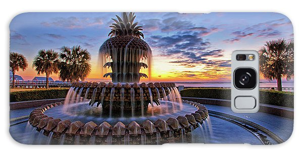The Pineapple Fountain At Sunrise In Charleston, South Carolina, Usa Galaxy Case