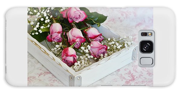Pink And White Roses In White Box Galaxy Case