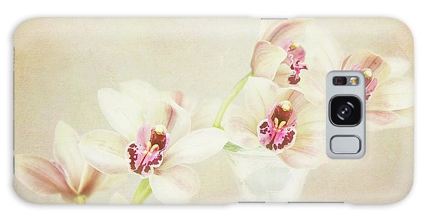 Pretty Orchids Galaxy Case