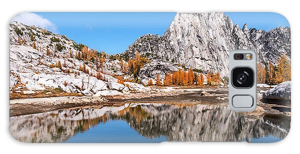 Prusik Peak Reflected In Gnome Tarn Galaxy Case
