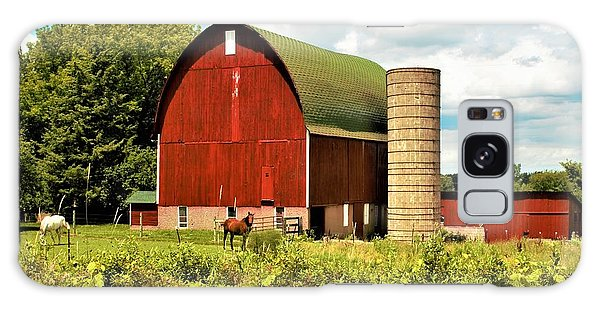 0040 - Red Barn And Horses Galaxy Case