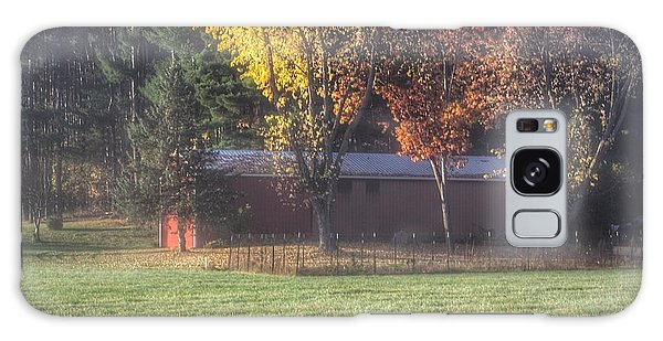 0041 - Red Barn On A Foggy Fall Morning Galaxy Case