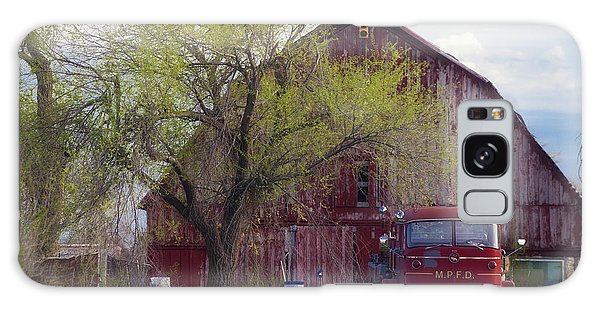 Red Barn Red Truck Galaxy Case
