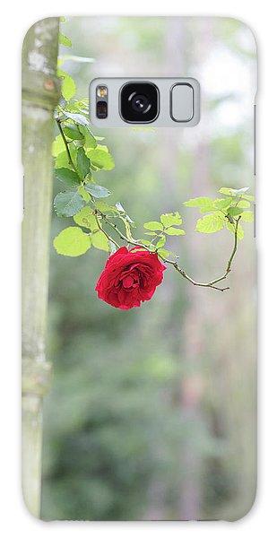 Red Flower Garden Galaxy Case