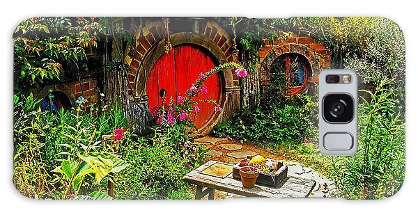 Red Hobbit Door Galaxy Case