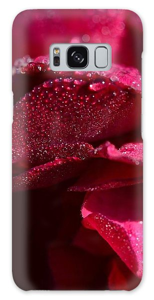 Red Rose And Dew Galaxy Case