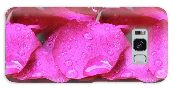 Red Roses And Raindrops Galaxy Case