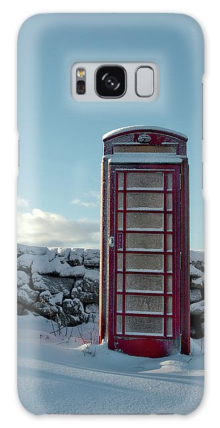 Red Telephone Box In The Snow IIi Galaxy Case