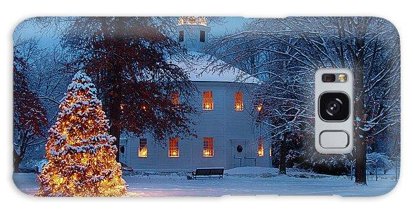 Richmond Vermont Round Church At Christmas Galaxy Case