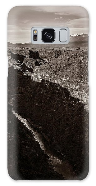 Sangre De Cristo Galaxy S8 Case - Rio Grande River Taos by Marilyn Hunt