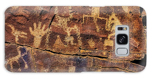 Language Galaxy Case - Rock Wall Of Petroglyphs by Garry Gay