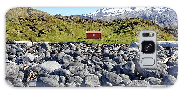 Galaxy Case featuring the photograph Rocky Beach Iceland by Edward Fielding