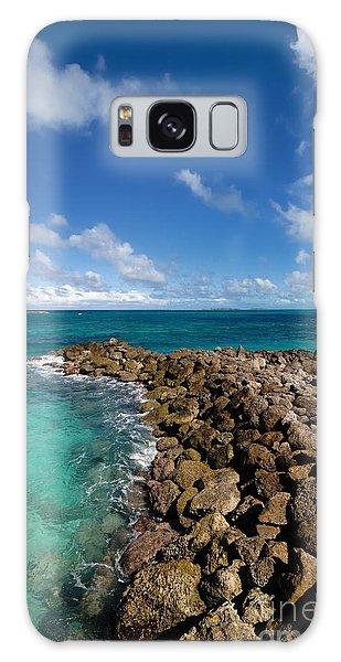 Rocky Shoreline On The Beach At Atlantis Resort Galaxy Case