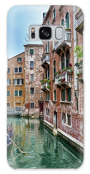 Gondola Ride Surrounded By Vintage Buildings In Venice, Italy Galaxy Case