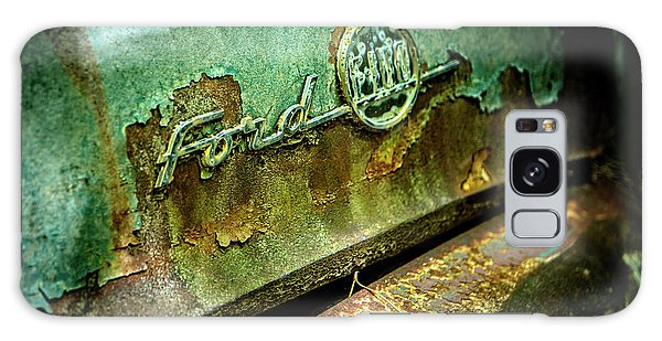 Rusted Ford Galaxy Case