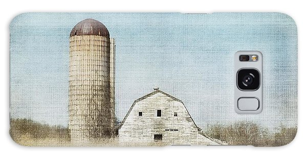 Rustic Dairy Barn Galaxy Case