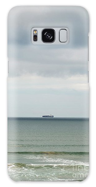 Galaxy Case featuring the photograph Sailing The Horizon by Linda Lees