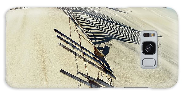 Sand Dune Fences And Shadows Galaxy Case