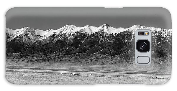 Sangre De Cristo Galaxy S8 Case - Sangre De Cristos  Dusk In Black And White by Twenty Two North Photography