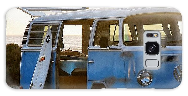 Vw Bus Galaxy Case - Vw And Surfboard by Hal Bowles