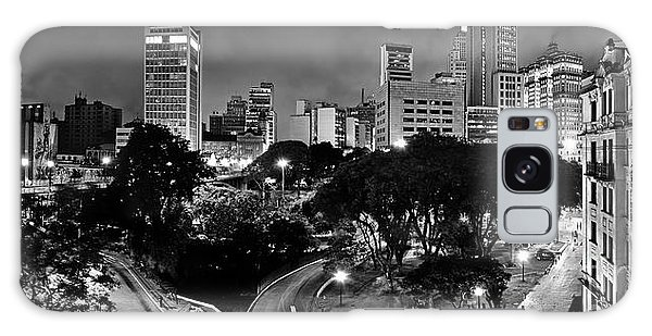 Sao Paulo Downtown At Night In Black And White - Correio Square Galaxy Case