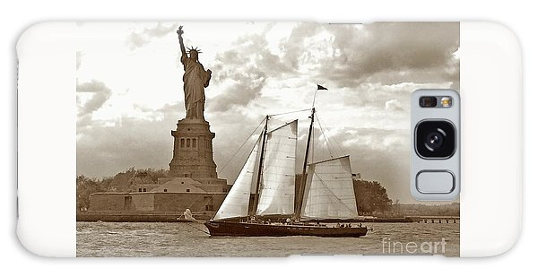 Schooner At Statue Of Liberty Twurl Galaxy Case