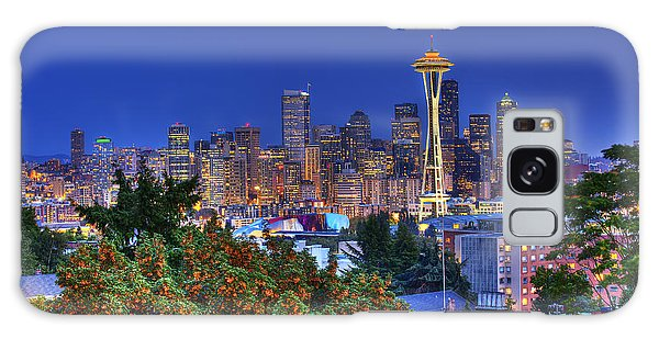 Seattle Skyline In The Fall Galaxy Case