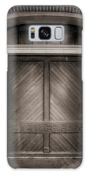 Sepia Doorway Galaxy Case