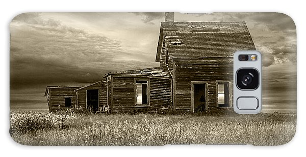 Sepia Tone Of Abandoned Prairie Farm House Galaxy Case
