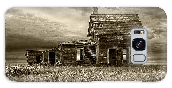 Sepia Tone Of Abandoned Prairie Farm House Galaxy Case