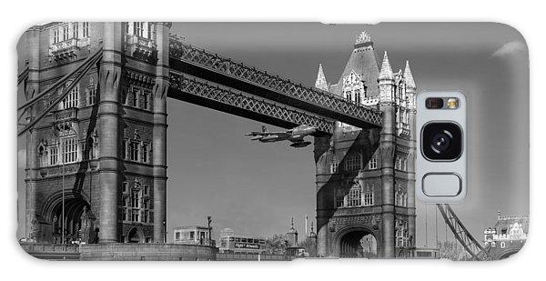 Seven Seconds - The Tower Bridge Hawker Hunter Incident Bw Versio Galaxy Case