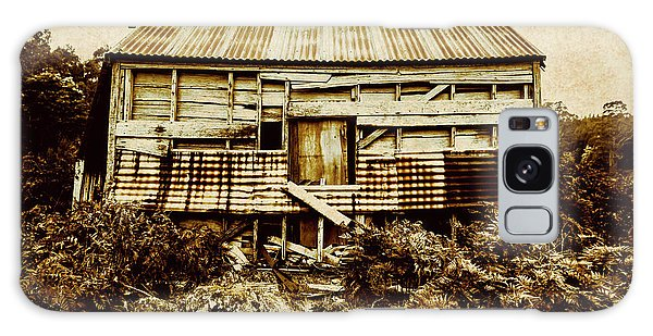 Cottage Galaxy Case - Shabby Country Cottage by Jorgo Photography - Wall Art Gallery
