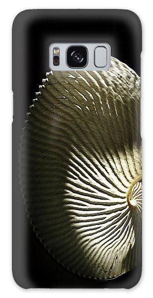 Seashell Fan On Black  Galaxy Case