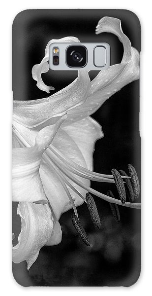 Single Lily In Black And White. Galaxy Case