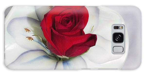 Single Red Rose In Fenton Vase Galaxy Case by Linda Phelps