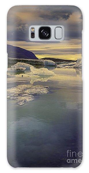 Skaftafellsjokull Lagoon Galaxy Case by Nancy Dempsey